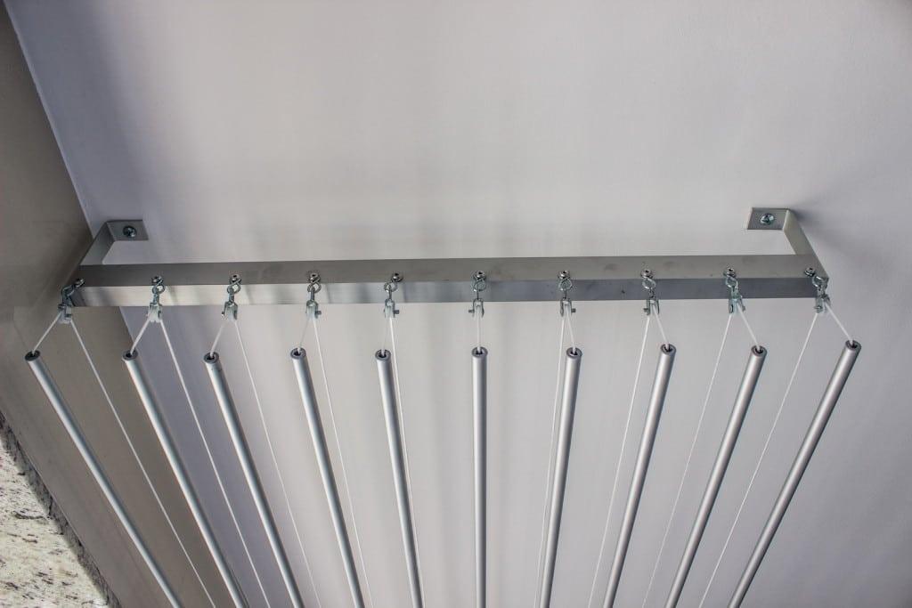 A instalação do Varal Inteligente pode ser feita em qualquer tipo de teto ou parede.