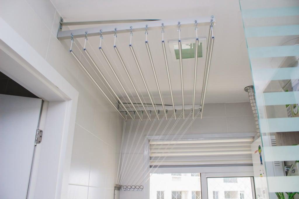 O Varal Inteligente também pode ser instalado na parede.